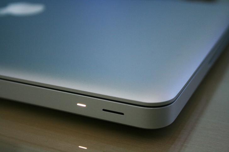 Diode de mise en veille du macbook pro d'Apple